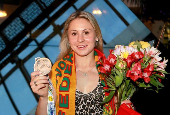 Penkiakovininkė Laura Asadauskaitė grįžo į Lietuvą su sidabro medaliu.