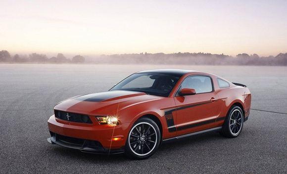 Gamintojo nuotr./Ford Mustang Boss 302