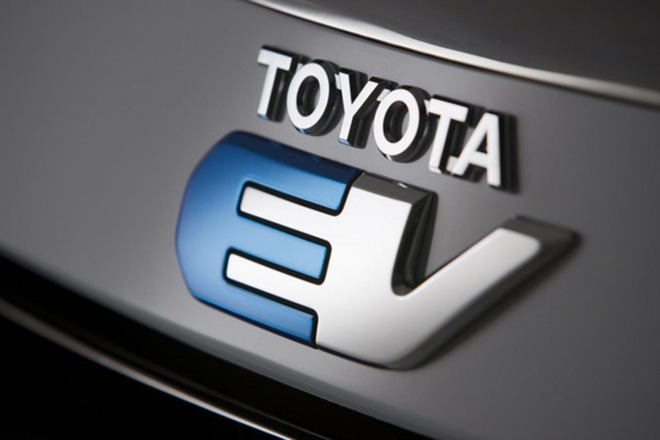 """Toyota EV"" logotipas"