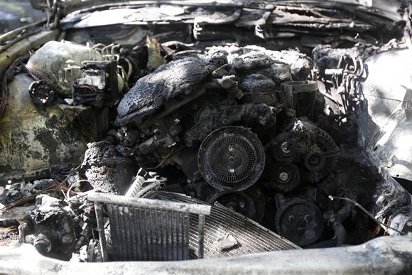 Sudegęs automobilio variklis