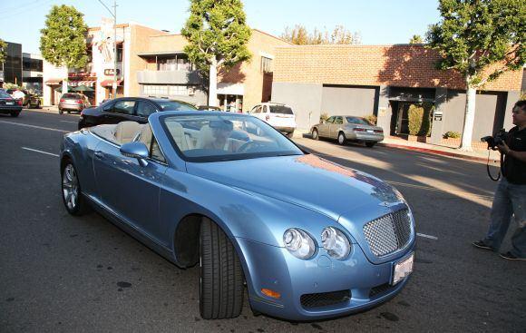 "Bulls nuotr./""Bentley"" kabrioletas"