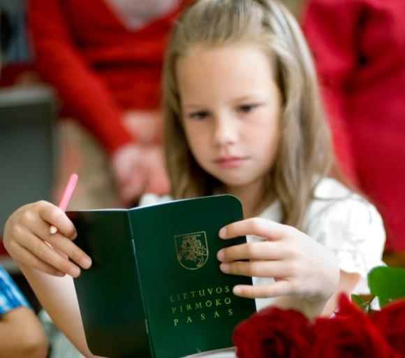 Pirmosios vaiko dienos mokykloje – lemtingos. Ir čia labai svarbi ne tik mokytojų, bet ir tėvų parama.