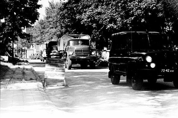 Sovietų kariuomenė po nepavykusio perversmo Maskvoje išvyksta iš užgrobtos Lietuvos televizijos ir radijo komiteto teritorijos. Vilnius, 1991 08 22.
