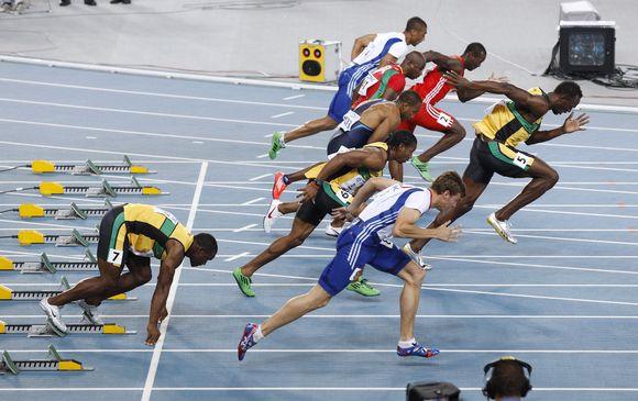 Usainas Boltas buvo diskvalifikuotas 100 metrų finale