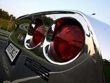 """Pauliaus Sviklo/GAZAS.LT nuotr./Chromine plėvele apklijuota """"Chevrolet Corvette"""""""