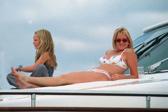 """""""Scanpix"""" nuotr./Maljorkoje besiilsinti aktorė Melanie Griffith."""