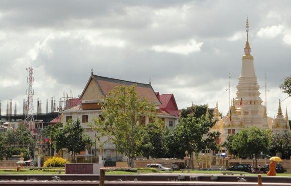 R.Kuzminskaitės nuotr./`ventyklos Kambodžos sostinėje
