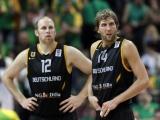 """""""Reuters""""/""""Scanpix"""" nuotr./Chrisas Kamanas ir Dirkas Nowitzkis per sezoną NBA lygoje kartu uždirba daugiau nei 70 mln. litų."""