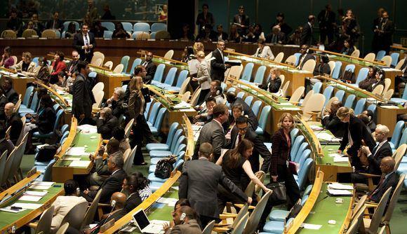 AFP/Scanpix nuotr./Kai kurių valstybių delegatai palieka JT Generalinę Asamblėją