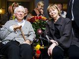 """""""Scanpix"""" nuotr./Tomas Transtroemeris su žmona (dešinėje)"""