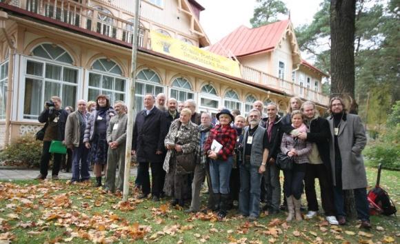 """2011-ųjų festivalio """"Poetinis Druskininkų ruduo"""" dalyviai"""