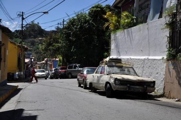 greitgrisim.lt/Miesto gatvės ir seni automobiliai