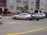 """Įvykio liudininko Sigito J. nuotr./Kėdainiuose sprogo """"Mercedes Benz"""""""