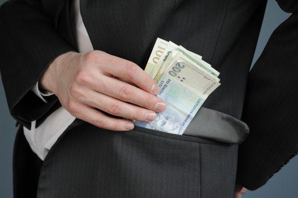 Nesąžiningus savininkus grąžinti skolas galima priversti per teismą.