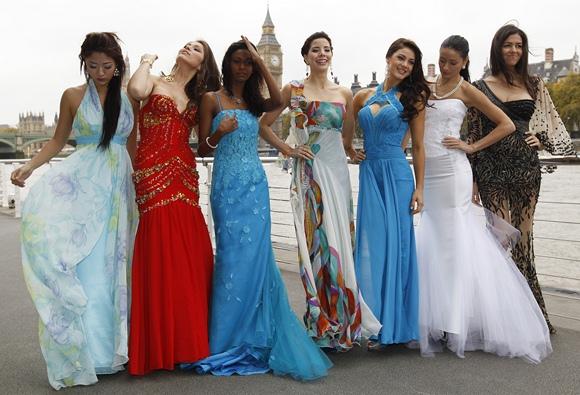 """""""Mis Pasaulis 2011"""" konkurso dalyvės"""