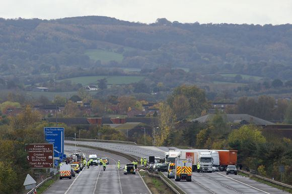 AFP/Scanpix nuotr./Avarija Didžiosios Britnaijos greitkelyje