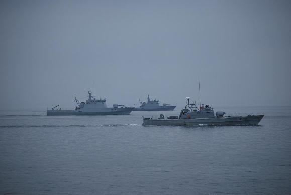 Karo laivų flotilės mokymai.