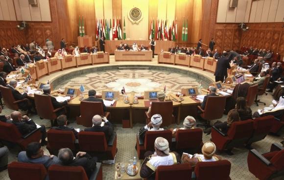 Arabų lygos astovai nusprendė, kad atėjo laikas skelbti sankcijas Sirijai.