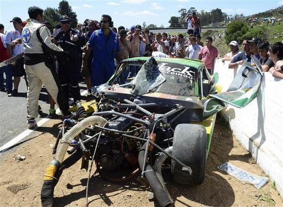 Reuters/Scanpix nuotr./Tragiaka avarija Turismo Carretera lenktynėse
