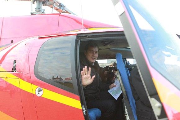 "EK atstovus A.Zuokas skraidino ""Kauno grūdų"" sraigtasparniu."