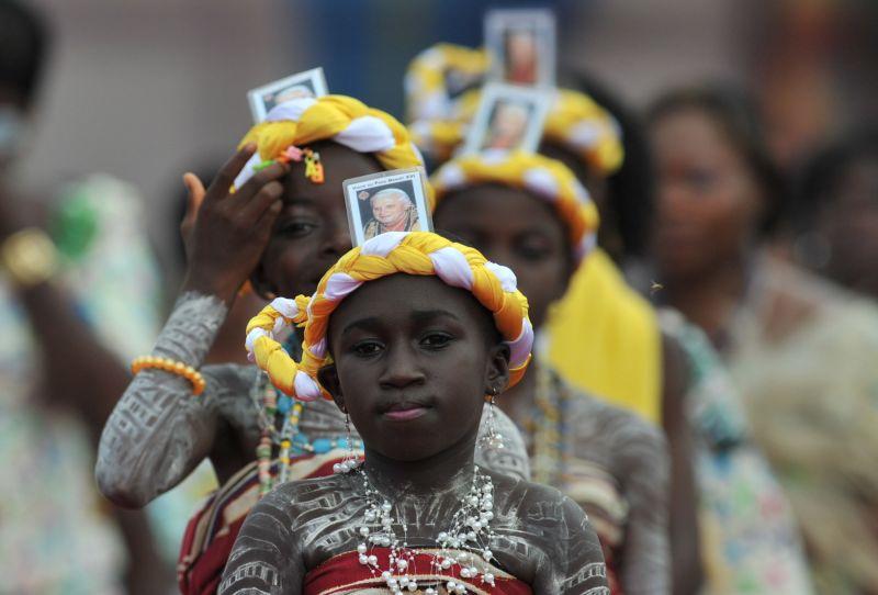 Popiežius Benediktas XVI aukojo mišias Benine