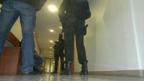 Sauliaus Chadasevičiaus/15min.lt nuotr./Aro pareigūnai teisme