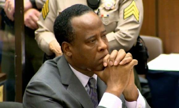Conradas Murray teismo salėje