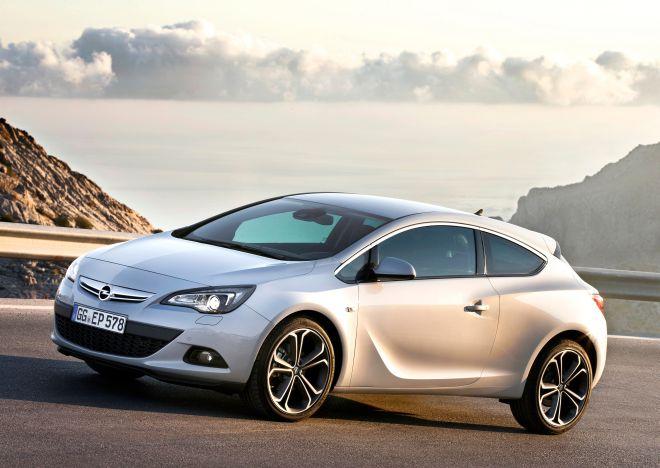 """""""Opel Astra GTC"""" bandomieji važiavimai Maljorkoje"""