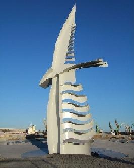 """Žuvusius jūrininkus ir nuskendusius laivus nuspręsta įamžinti""""Albatroso"""" paminklu."""
