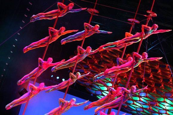 Juliaus Kalinsko/15 minučių nuotr./ Cirque du Soleil pasirodymo Vilniuje akimirka