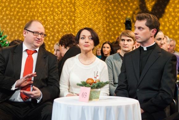 """Akcijos sumanytoja, labdaros–paramos fondo """"Algojimas"""" įkūrėja Aušra Stančikienė ir Ričardas Doveika (dešinėje)"""