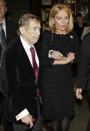 Reuters/Scanpix nuotr./Vaclavas Havelas su žmona