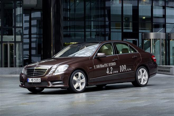 """Mercedes-Benz E300 BlueTEC Hybrid"""