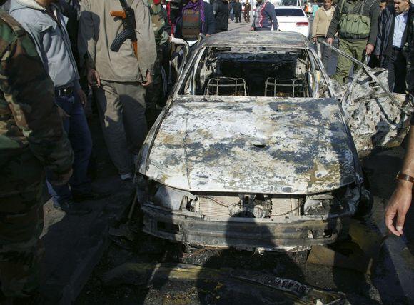 Sirijos sostinėje mirtininkai penktadienį detonavo sprogmenų prikrautus automobilius.