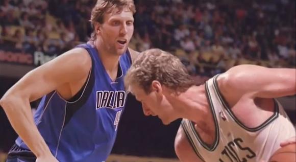 Dirkas Nowitzkis ir Larry Birdas