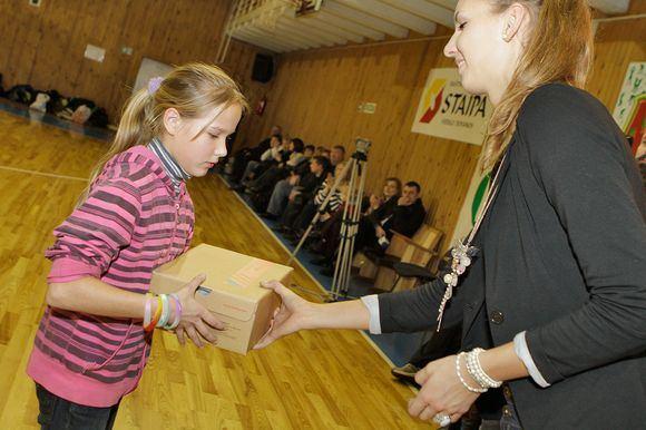 Augusto Didžgalvio nuotr./Kibirkaties-Tichės-IKI merginos Vilniaus krepainio mokykloje