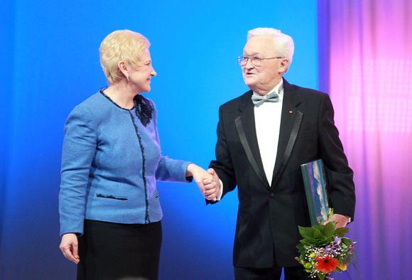Irena Degutienė pasveikino Algimantą Čekuolį
