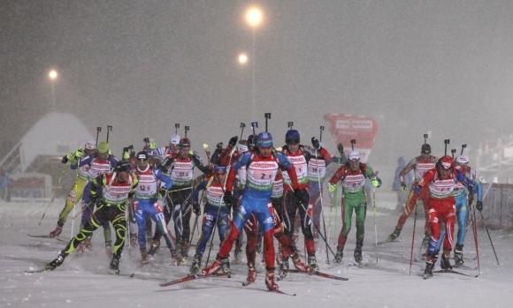 Biatlonininkams trukdė vėjas ir sniegas.