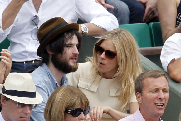 Sienna Miller ir Tomas Sturridge'as