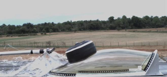 FIA vairuotojo kapsules bandymai