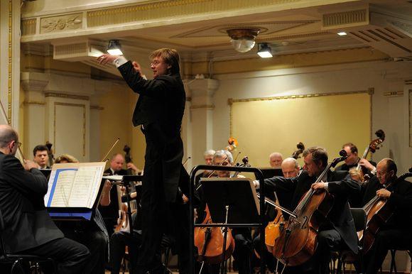 Lietuvos nacionalinis simfoninis orkestras ir Robertas Šervenikas