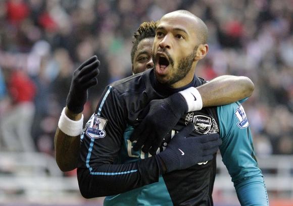"""Thierry Henry išplėšė pergalę """"Arsenal"""" klubui."""