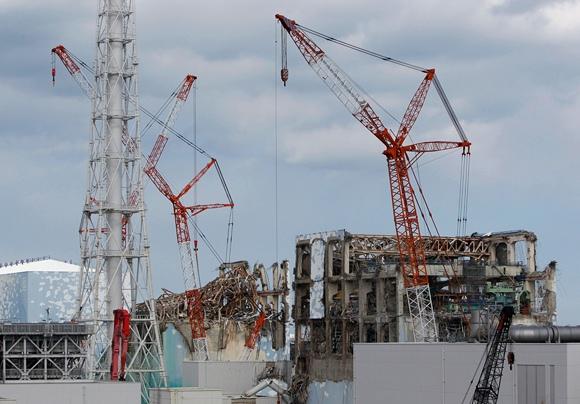 Fukušimos-1 atominės elektrinės 2-ojo ir 3-iojo reaktorių pastatai