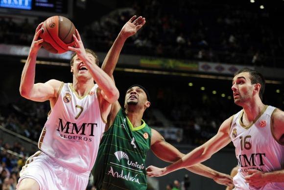 AFP/Scanpix nuotr./Su kamuoliu Martynas Pocius