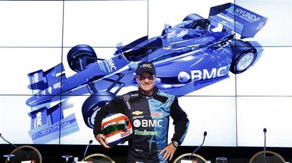 AFP/Scanpix nuotr./Rubensas Barrichello lenktyniaus Indycar