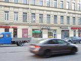 Marianos Jankovos/15min.lt nuotr./Nors ir uždaryta, parduotuvė toliau kvietė pirkėjus užraau Sveiki atvykę.