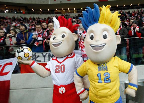 Reuters/Scanpix nuotr./Mascots of Euro 2012