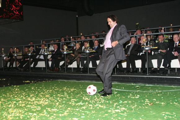 15min archyvo nuotr./Futbolo federacijos prezidento titulas L.Varanavičiui nepadėjo iamokti spardyti kamuolio.