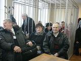 Aurelijos Kripaitės/15min.lt nuotr./Palakyti teisiamo Seimo nario į ankštą teismo salę prisirinko daugiau nei šimtas žmonių.