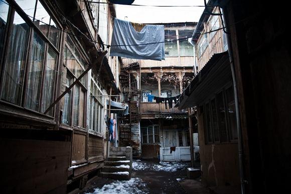 B.Tilmantaitės nuotr./Tbilisio senamiestis gyvena savo gyvenimą po senovei
